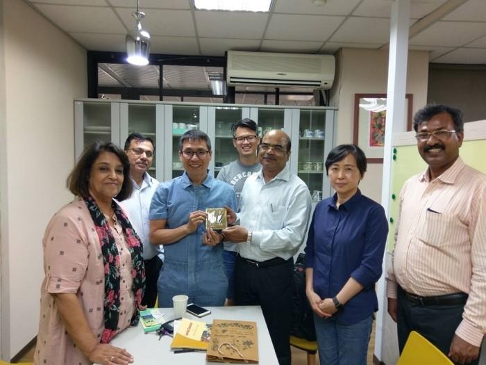 圖為印度教育部官員與學者來訪